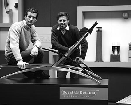 4dabc292b1f0 ... amikor mindketten saját vállakozást kívántak indítani. Közösen  alapították meg a Royal Botaniát, melynek tulajdonosai és designerei is  egyszemélyben.